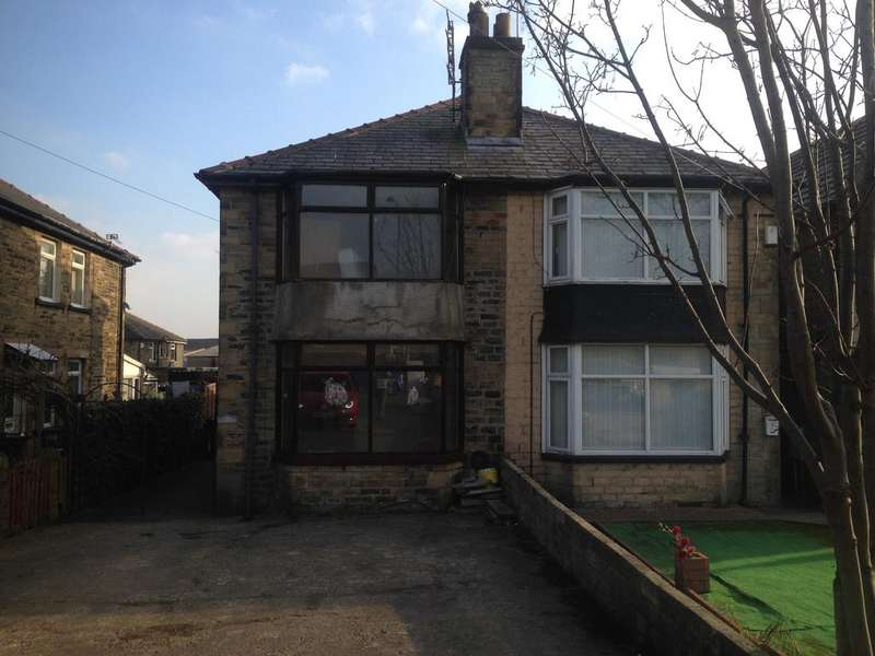 3 Bedrooms Semi Detached House for rent in Thornton Road BD8