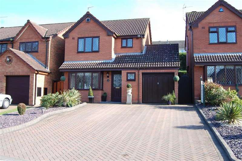 3 Bedrooms Detached House for sale in Foxlands Drive, Upper Gornal, Dudley, DY3 2HZ