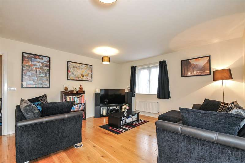 2 Bedrooms Apartment Flat for sale in Flat 5, Fulmar House, 26 Albacore Way, Hayes, UB3