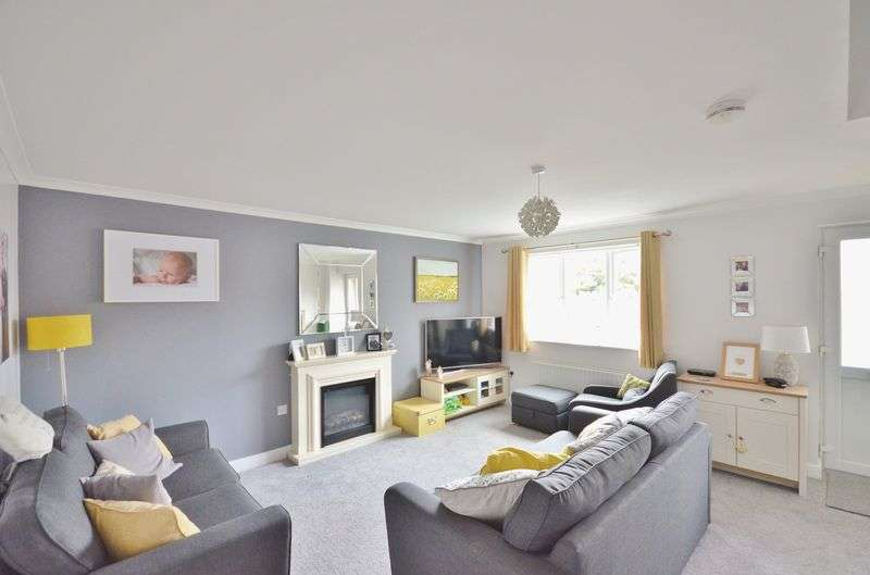 3 Bedrooms Property for sale in Martin Way, Frizington