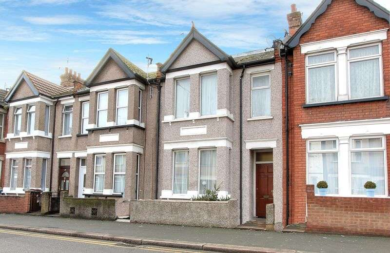 4 Bedrooms Property for sale in Masons Avenue, Harrow