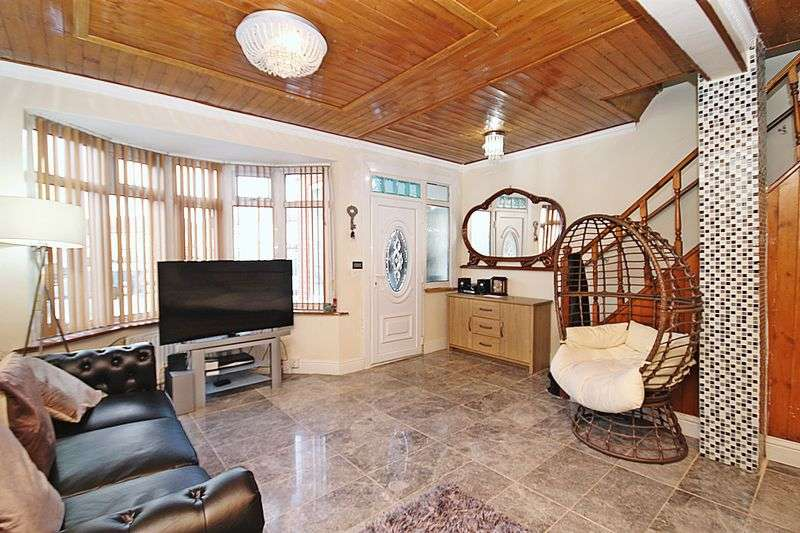 4 Bedrooms Property for sale in Laburnum Grove, Southall