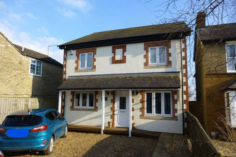 4 Bedrooms Property for sale in Station Road, Launton, Bicester