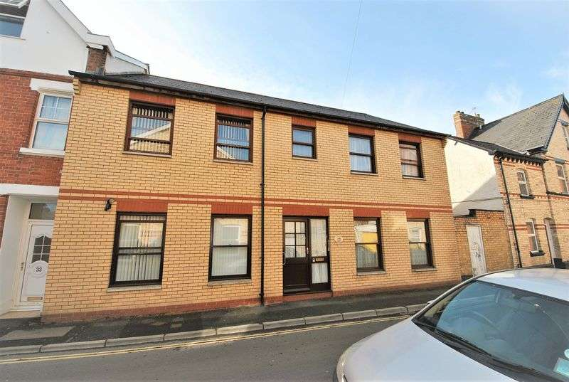 2 Bedrooms Property for sale in Vicarage Lawn, Barnstaple
