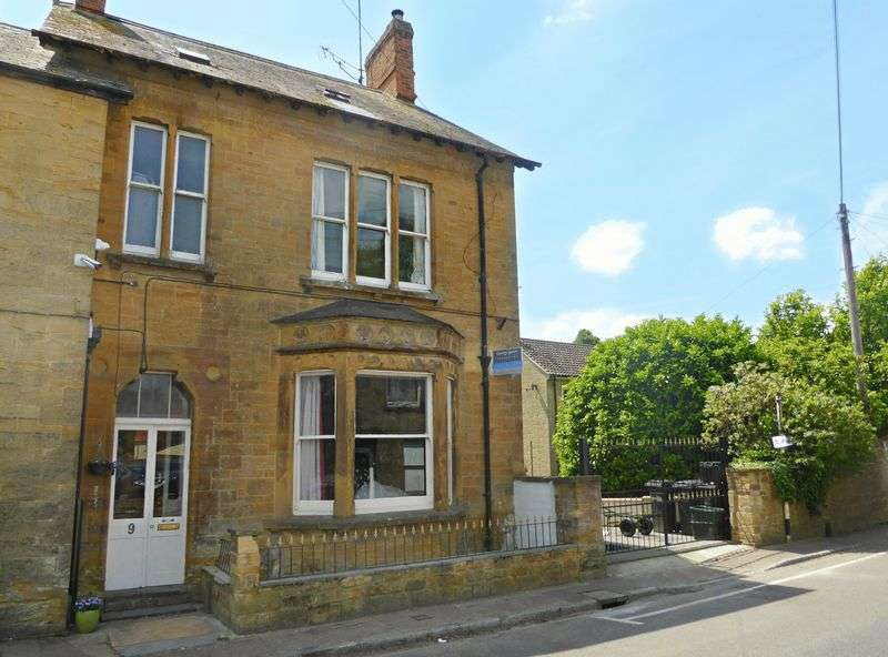 6 Bedrooms Property for sale in St James Street, South Petherton