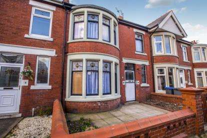 4 Bedrooms Terraced House for sale in Dorchester Road, Blackpool, Lancashire, FY1