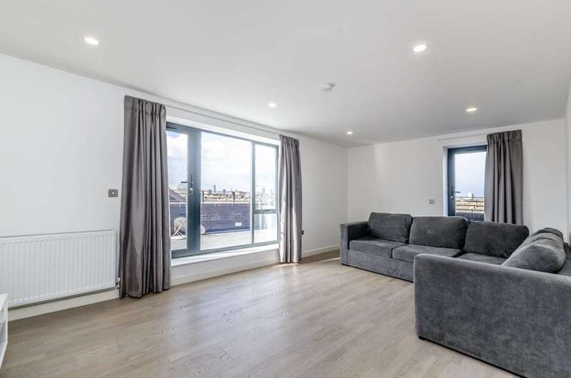 4 Bedrooms Flat for rent in Butchers Road, Canning Town, E16