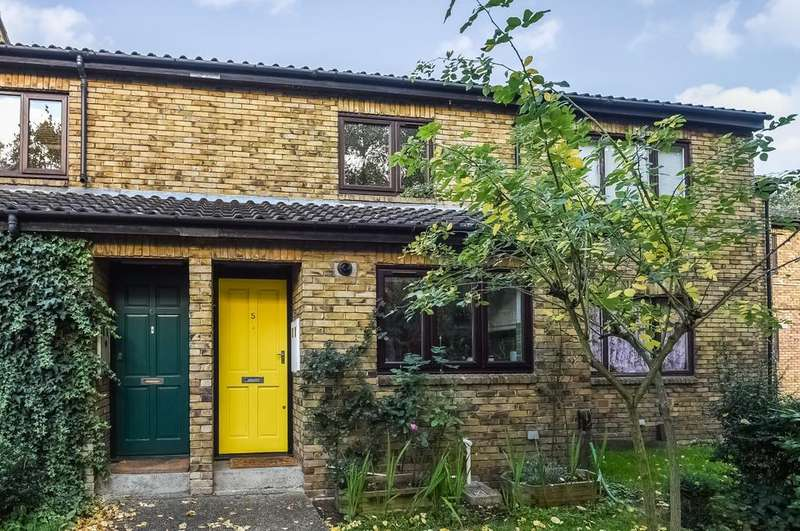 2 Bedrooms Terraced House for sale in Nesbitt Close London SE3