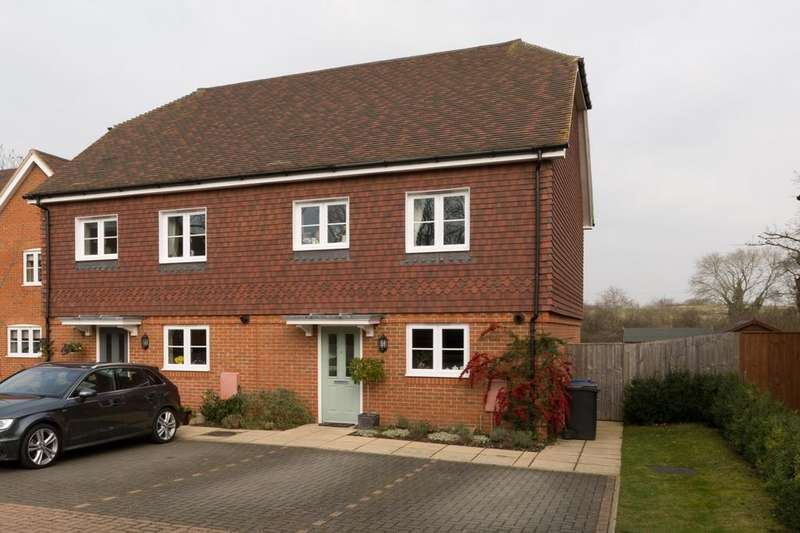 3 Bedrooms House for rent in Wildwood Close, Chiddingfold, Godalming, Surrey, GU8