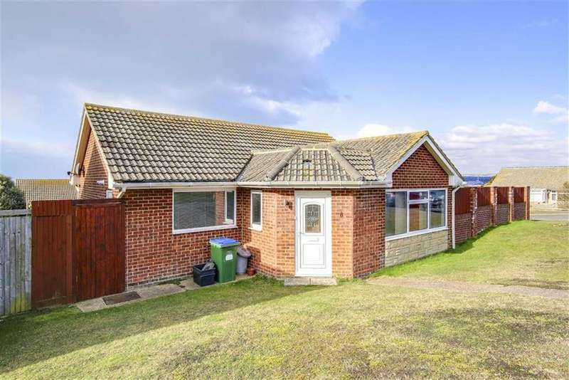 2 Bedrooms Detached Bungalow for sale in Windsor Close, Seaford