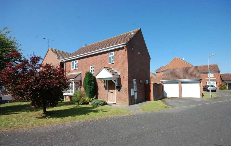 4 Bedrooms Detached House for sale in Young Close, Aylesbury, Buckinghamshire