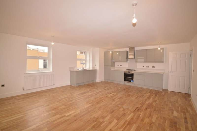 2 Bedrooms Flat for rent in White Hart Court Wharfside Close, Erith, DA8