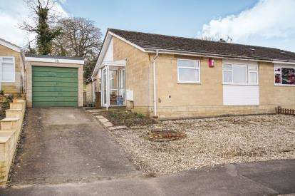 3 Bedrooms Bungalow for sale in Homefield, Shortwood, Nailsworth, Stroud