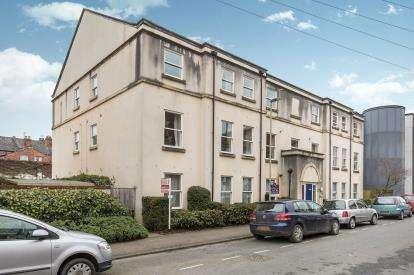 2 Bedrooms Flat for sale in Dunalley Street, Cheltenham, Gloucestershire, Uk