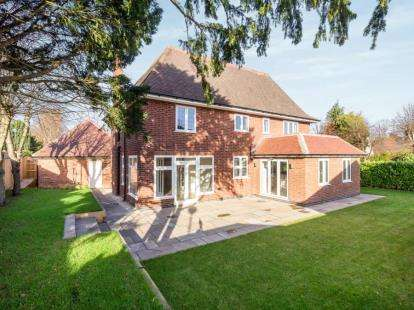 4 Bedrooms Detached House for sale in The Limes, Derby Road, Bramcote