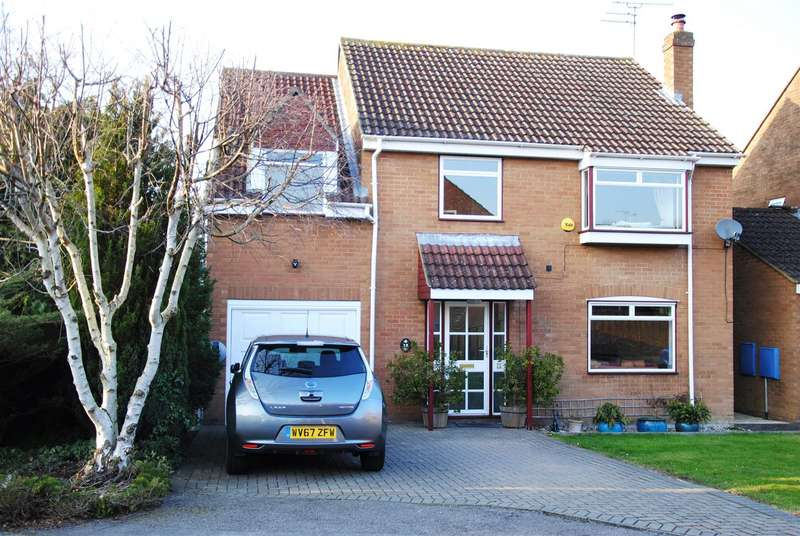 5 Bedrooms Detached House for sale in Stancombe Park, Westlea, Swindon
