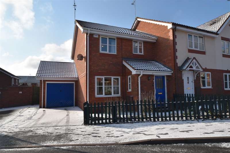 3 Bedrooms Semi Detached House for sale in Peabody Avenue, Worcester