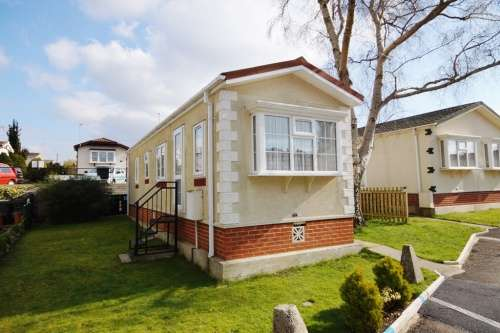 2 Bedrooms Park Home Mobile Home for sale in Doveshill Park, Bournemouth, Dorset
