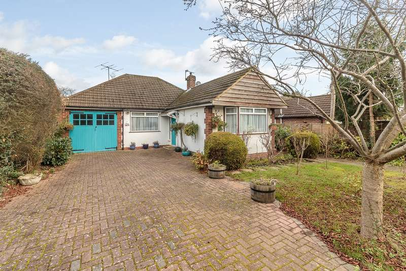 3 Bedrooms Detached House for sale in Palliser Road, Chalfont St Giles, HP8