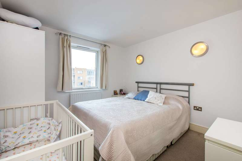 1 Bedroom Flat for sale in Cassilis Road, Canary Wharf, E14