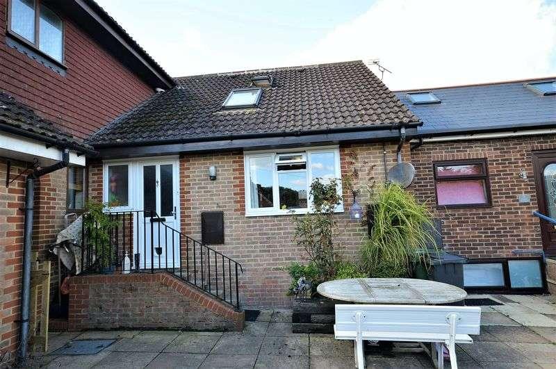 3 Bedrooms Property for sale in Glen Road Grayshott, Hindhead