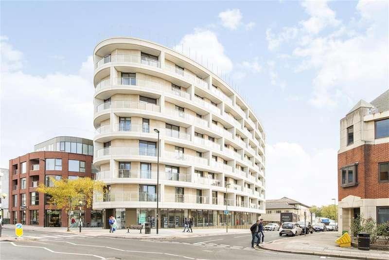 3 Bedrooms Flat for sale in Regents Park Road, London, N3 2LN