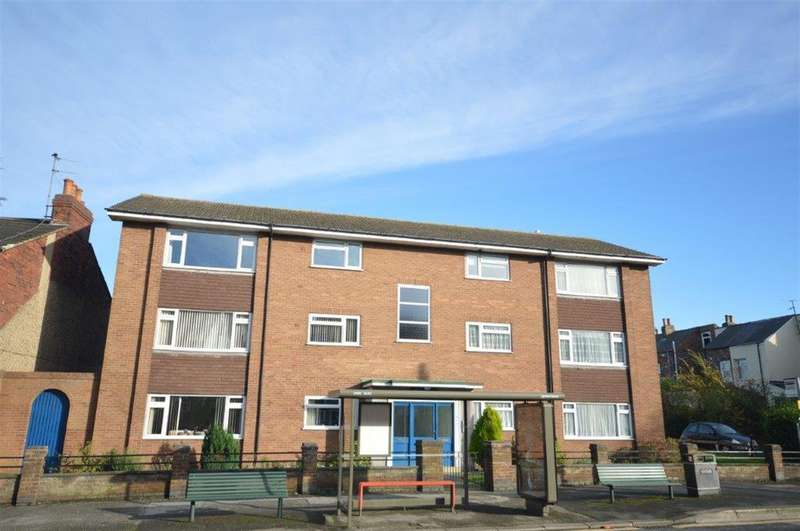2 Bedrooms Flat for sale in Scalby Road, Scarborough, YO12 5QR