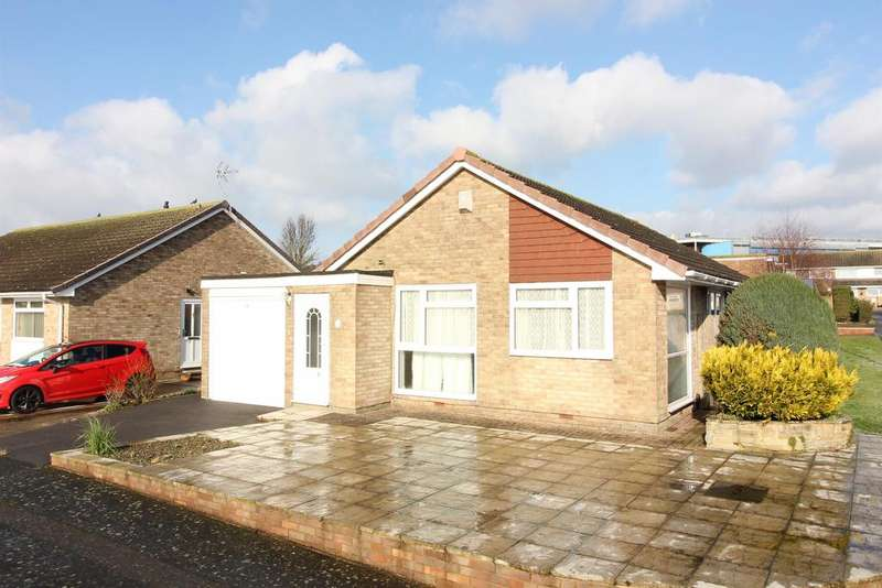 2 Bedrooms Detached Bungalow for sale in Coniston Road, Folkestone, Kent CT19 5JG