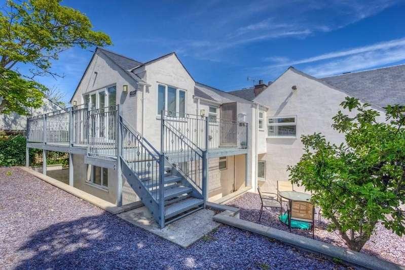 5 Bedrooms Semi Detached House for sale in Plas Llwyndu Cottage