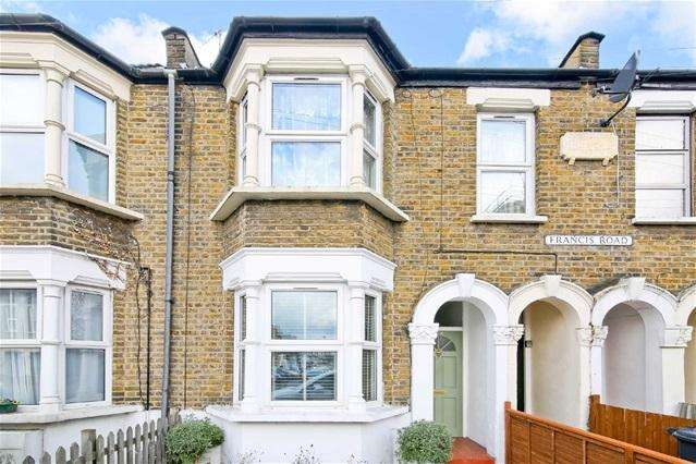 2 Bedrooms Flat for sale in Francis Road, Leyton