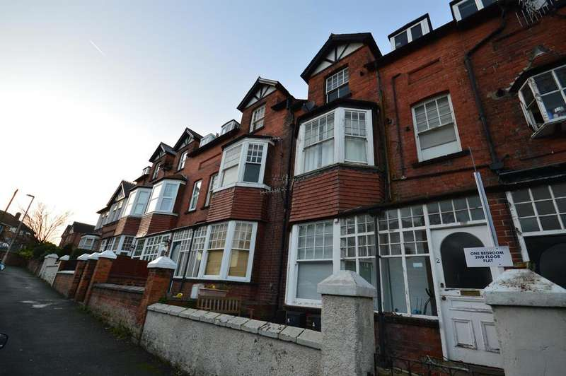 1 Bedroom Flat for sale in Princess Royal Park, Scarborough, YO11 2RS