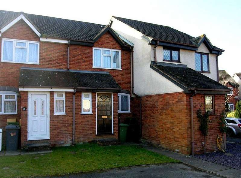 2 Bedrooms Terraced House for rent in Finch Close, Tadley, Hampshire, RG26