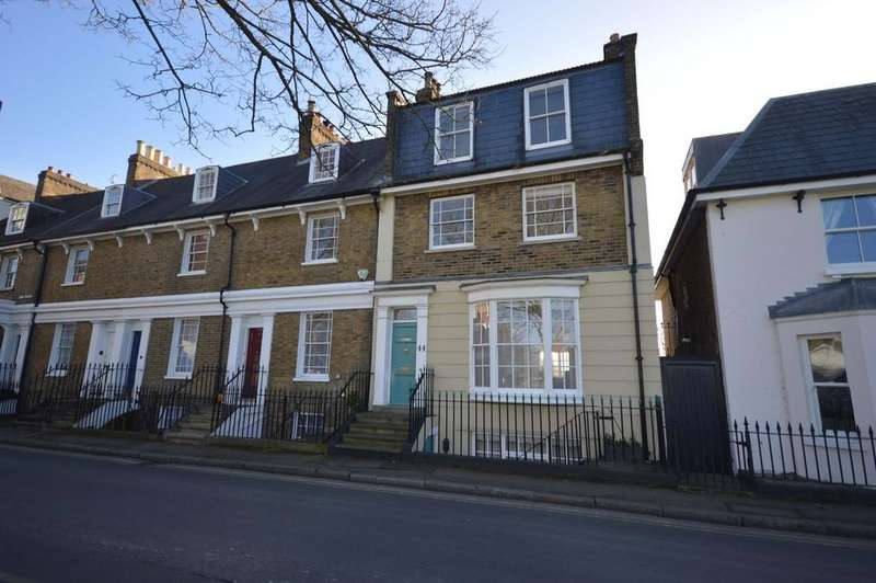 4 Bedrooms Terraced House for sale in Thames Street, Sunbury-on-Thames