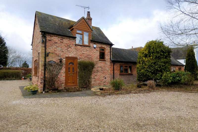 3 Bedrooms Barn Conversion Character Property for sale in Anslow Road, Hanbury