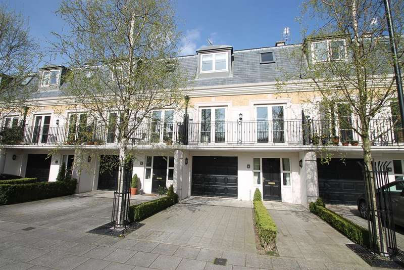4 Bedrooms Town House for sale in The Square, Dringhouses, York, YO24 1UR