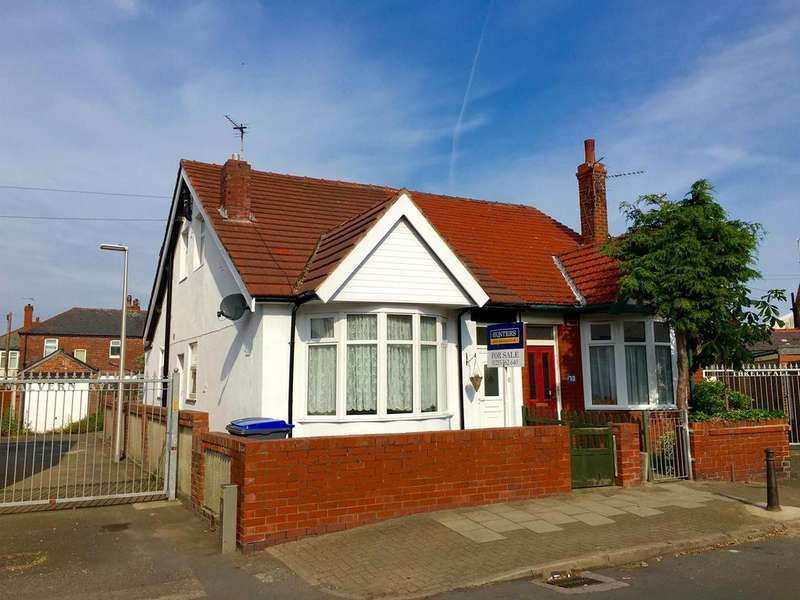 3 Bedrooms Semi Detached Bungalow for sale in Threlfall Road, South Shore, Blackpool, FY1 6NN