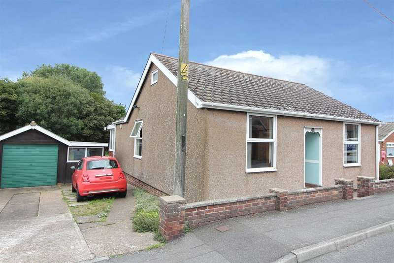 3 Bedrooms Detached Bungalow for sale in Lydd, New Romney