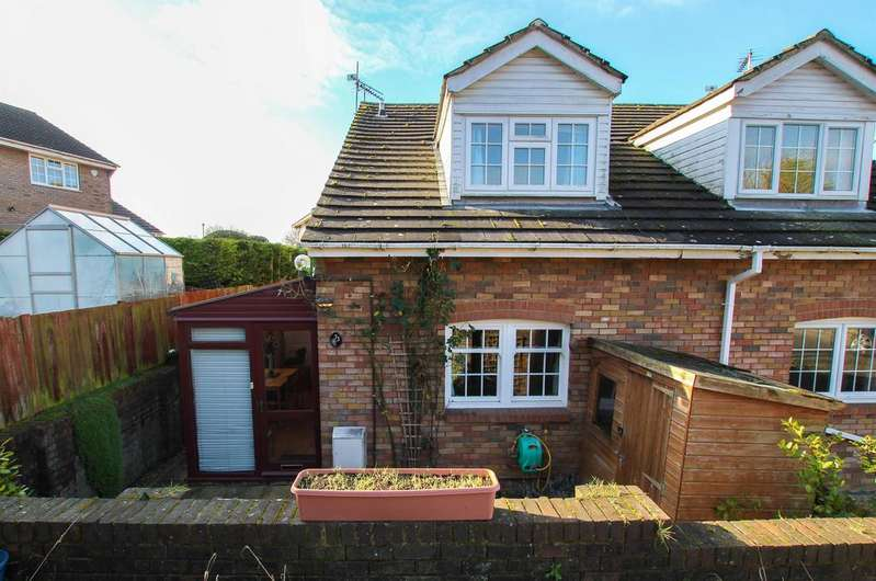 1 Bedroom Cluster House for sale in Grove Gardens, Tring, HP23 5PY