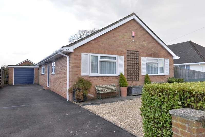 3 Bedrooms Detached Bungalow for sale in Belmont Road, Ashley, New Milton