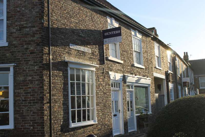 2 Bedrooms Apartment Flat for rent in Market Place, Easingwold, York, YO61 3AG