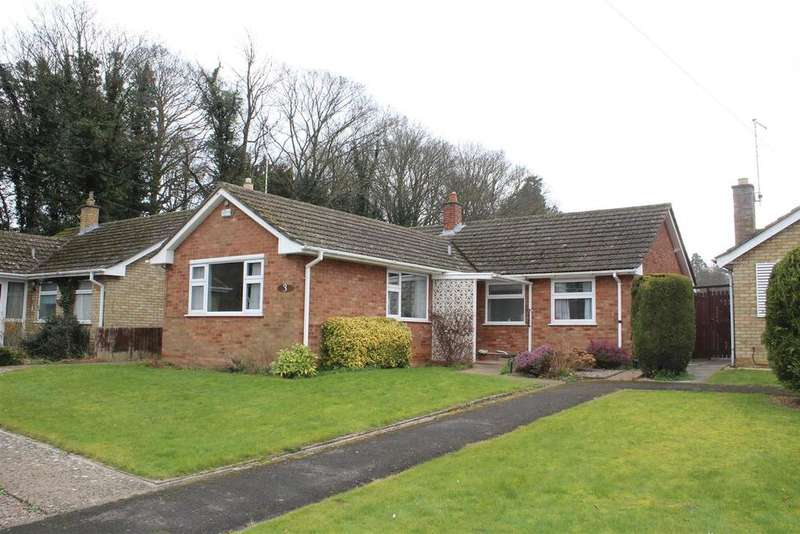 3 Bedrooms Detached Bungalow for sale in Lady Lodge Drive, Orton Waterville, Peterborough