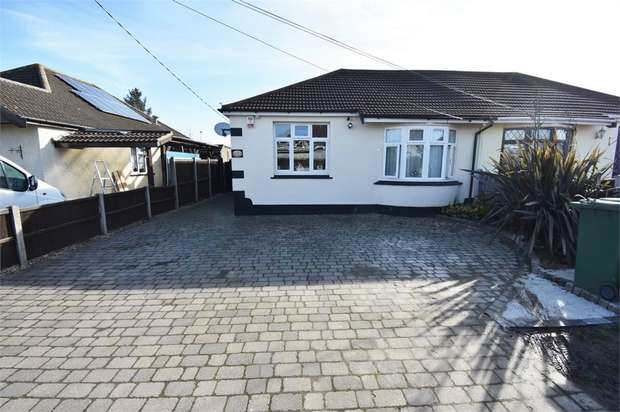 4 Bedrooms Semi Detached Bungalow for sale in Pembroke Avenue, Corringham, Stanford-le-Hope, Essex