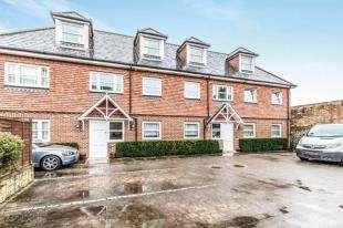 2 Bedrooms Flat for sale in Framfield Gate, Framfield Road, Uckfield, East Sussex