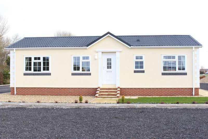 2 Bedrooms Park Home Mobile Home for sale in Bambers Lane, Blackpool, Lancashire, FY4 5LH