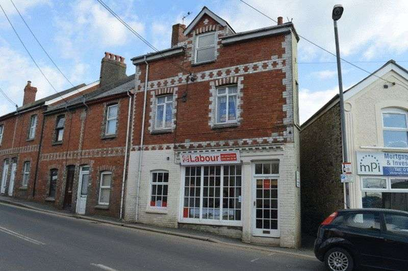 3 Bedrooms Property for sale in East Hill, St Austell