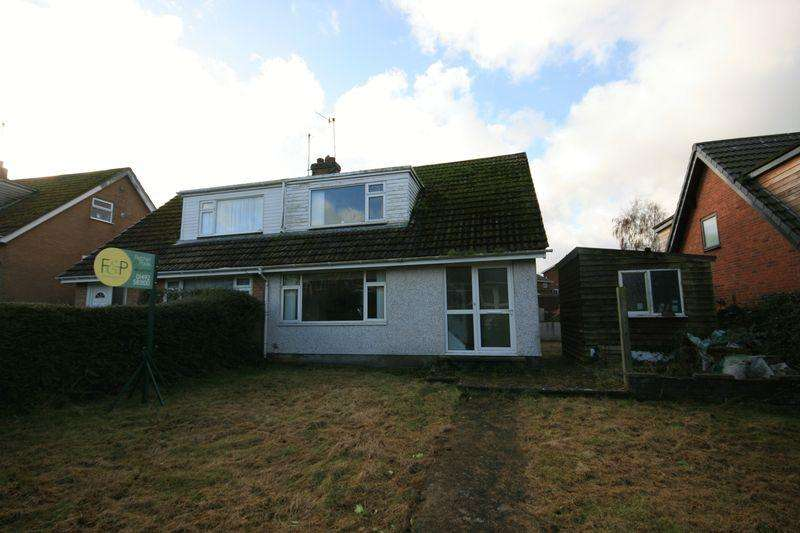 3 Bedrooms Bungalow for sale in Llwyn Isaf, Conwy