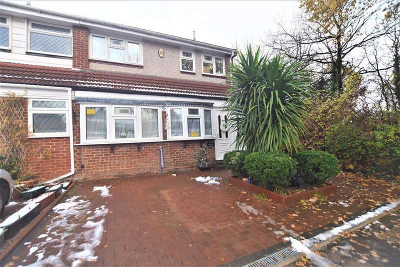 4 Bedrooms End Of Terrace House for sale in High Meadows, Chigwell, IG7 5JY