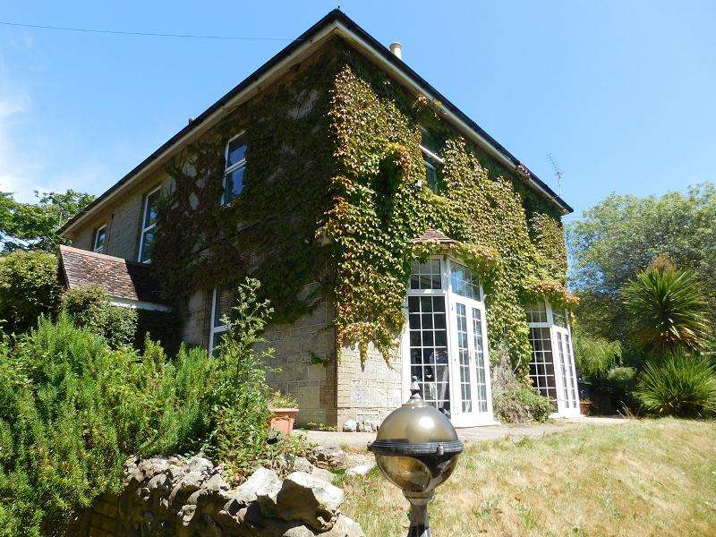 8 Bedrooms Detached House for sale in Whiteley Bank House Canteen Road, Whiteley Bank, VENTNOR, Isle of Wight, PO38 3AF