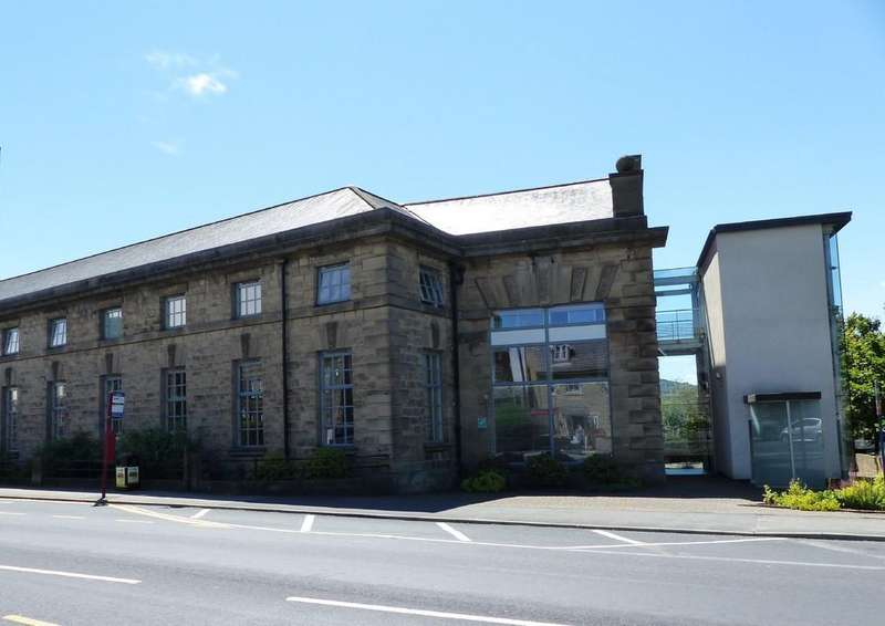 2 Bedrooms Flat for rent in Tramways, Guiseley