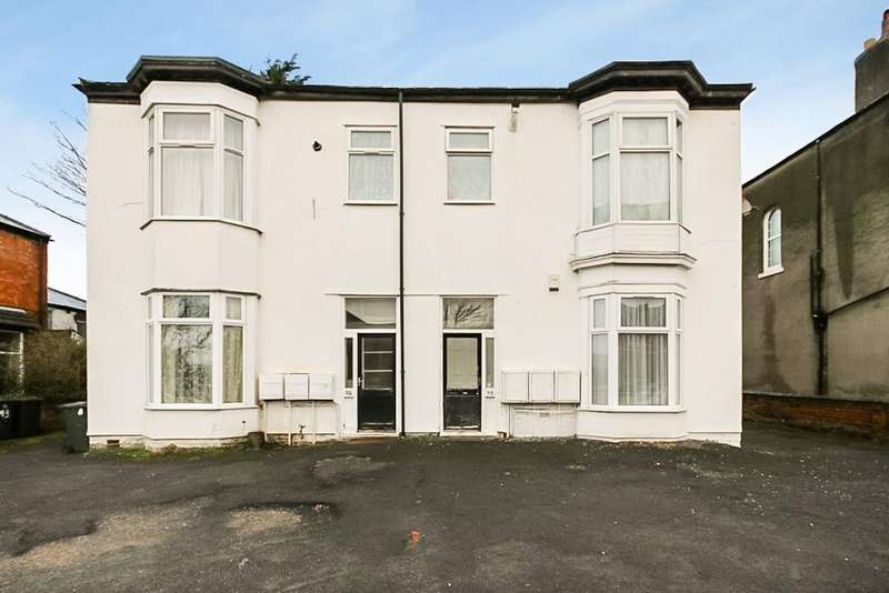 2 Bedrooms Ground Flat for sale in Manchester Road, Southport